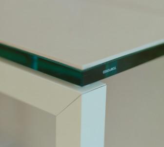 H-Medium Dettaglio panca con struttura in alluminio