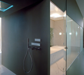 hammam with Tuttovetro Inside door and FeelGood shower system
