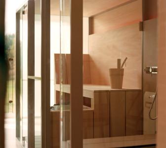 Mid Interno e arredi della sauna in Hemlock canadese
