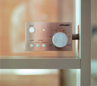 Mid Dettaglio del pannello di controllo della sauna