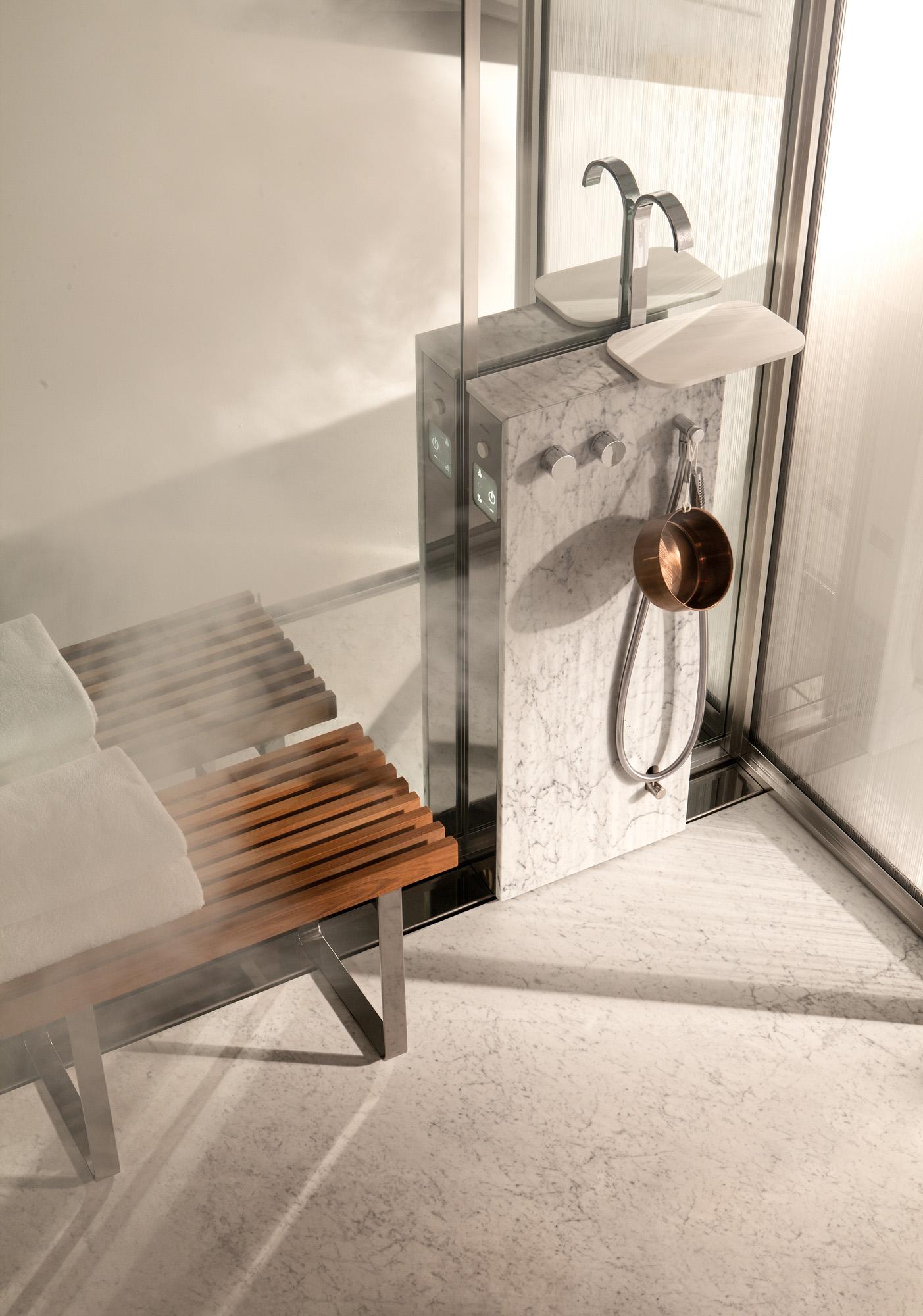 topkapi marmo carrara dettaglio generatore di vapore e panca in teck
