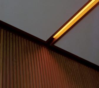 BodyLove S Dettaglio illuminazione con cromoterapia a soffitto